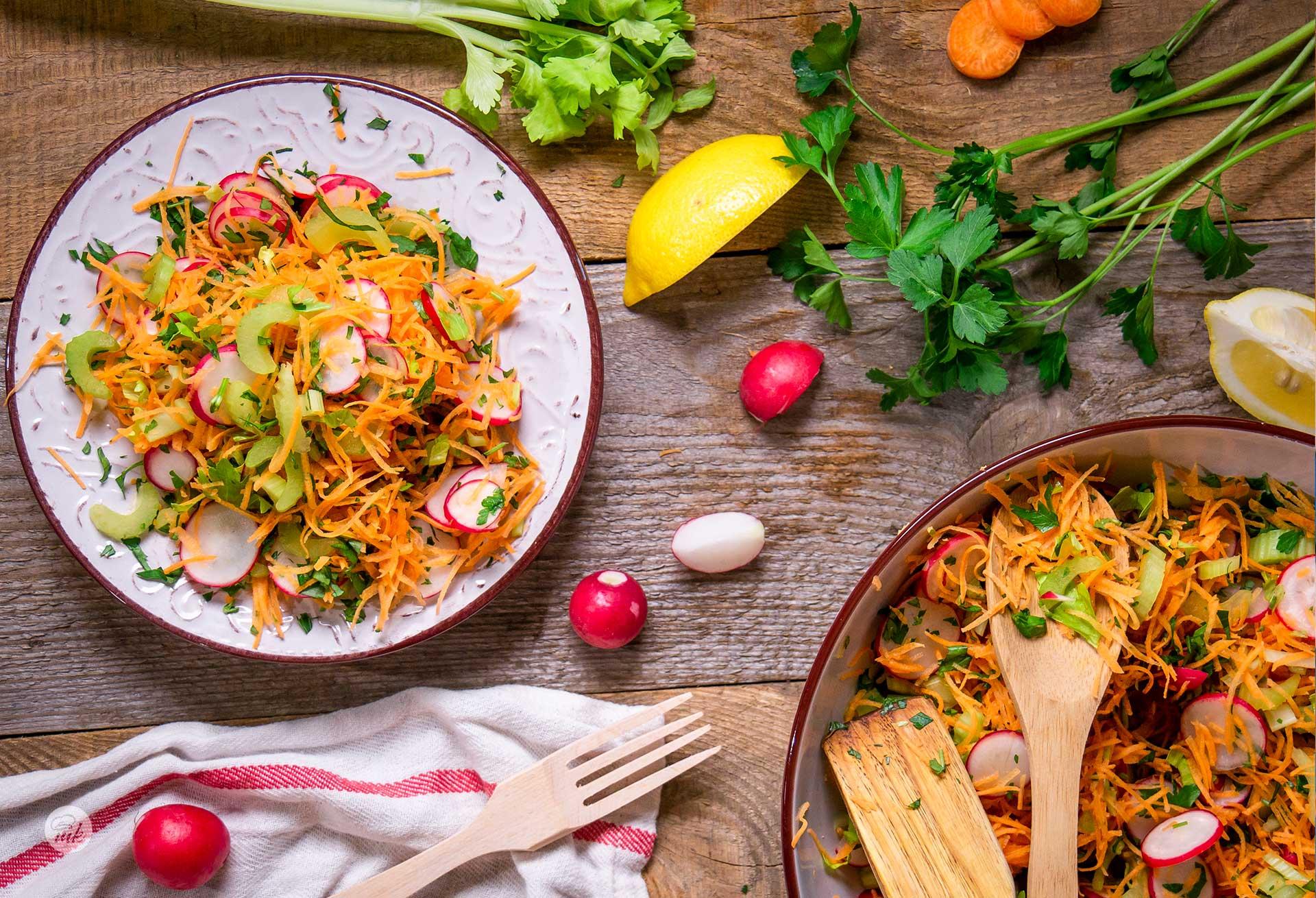 Салата морков, репички, селъри