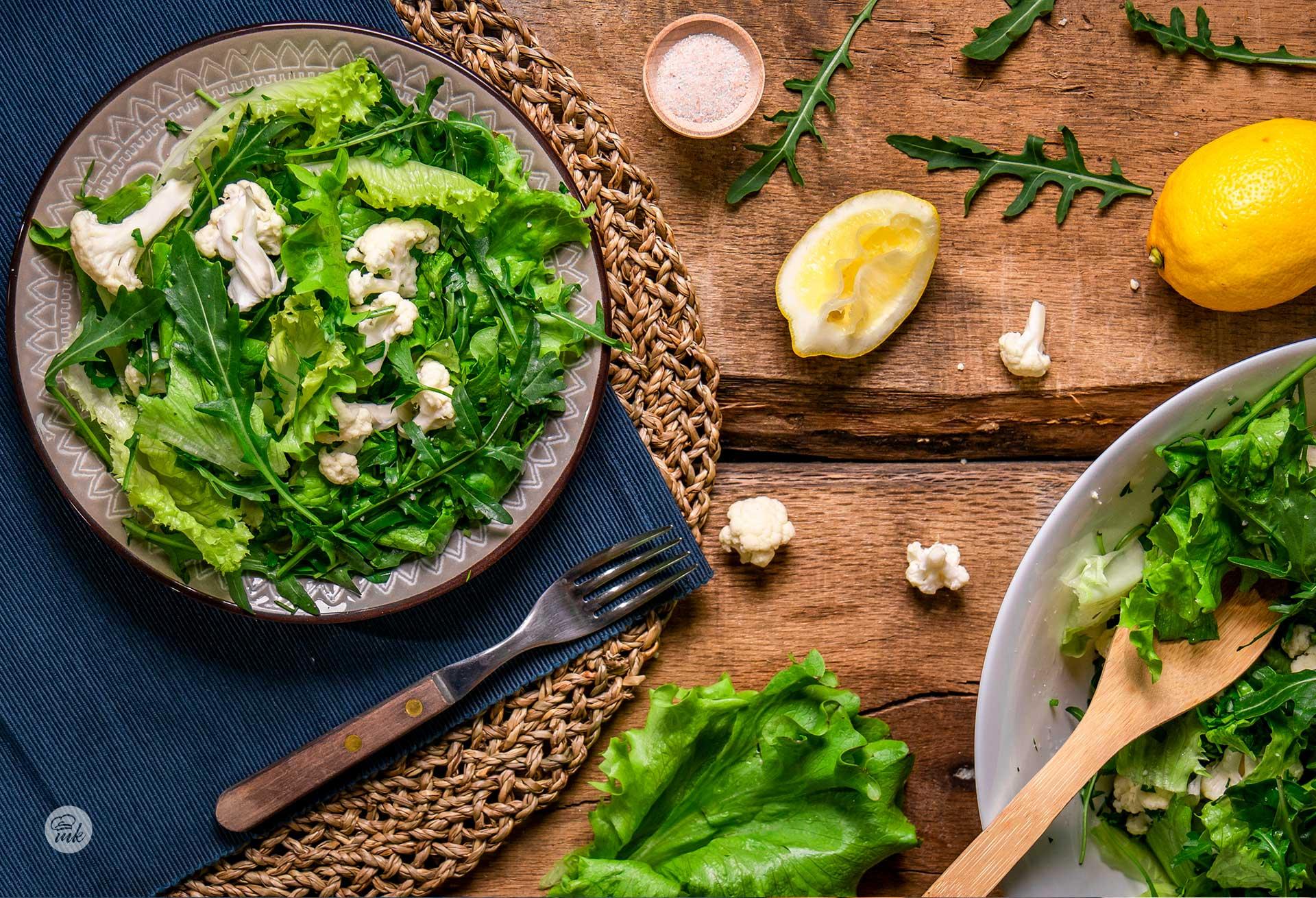 Зелена салата с рукола и карфиол