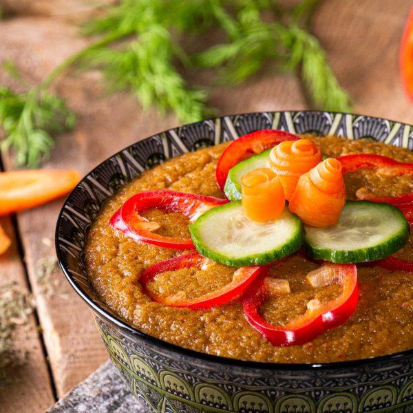 веган сурова крем супа с морков чушка домат лук чесън магданоз