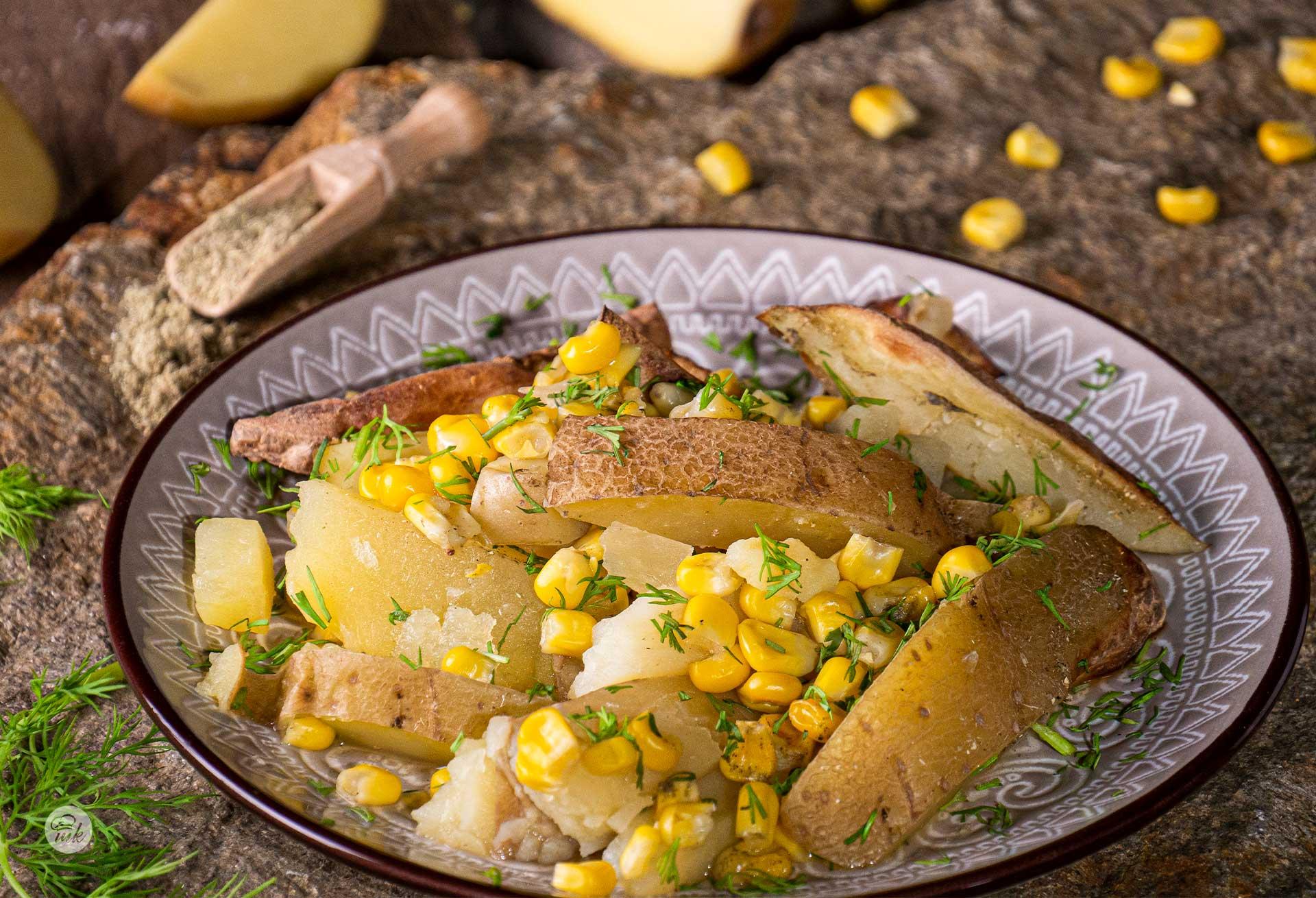 печени картофи с царевица