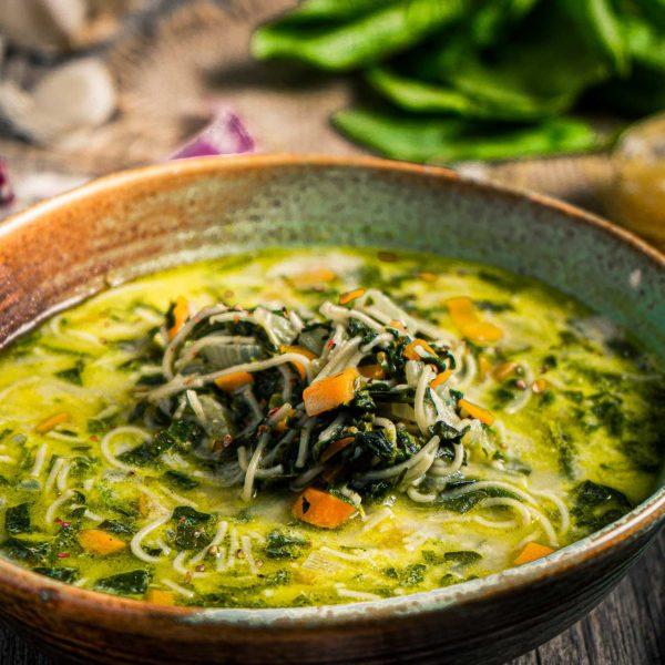 Спаначена супа с фиде отблизо