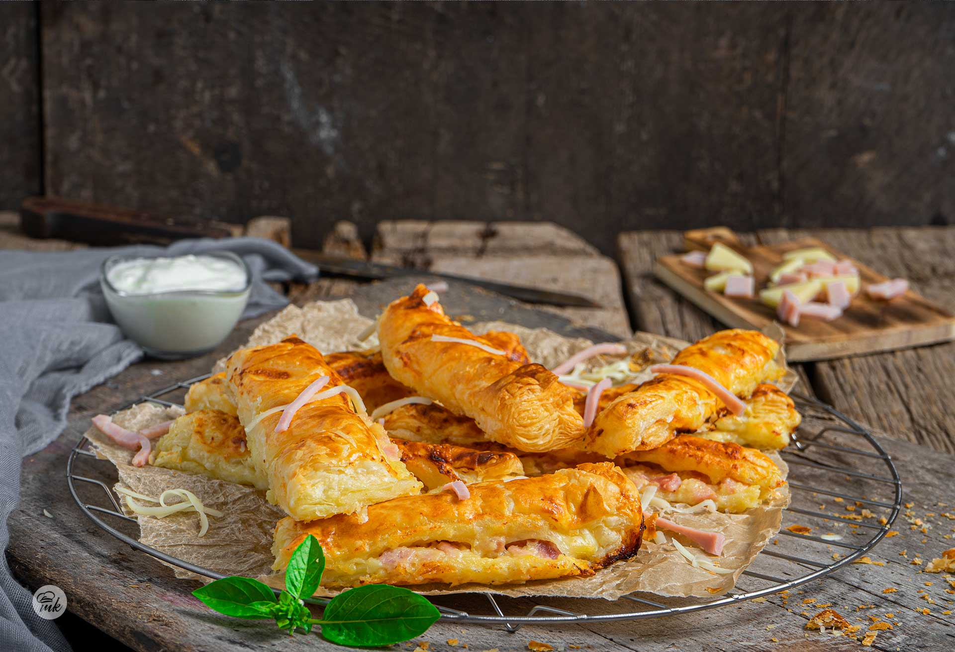 Шункови кашкавалки с бутер тесто