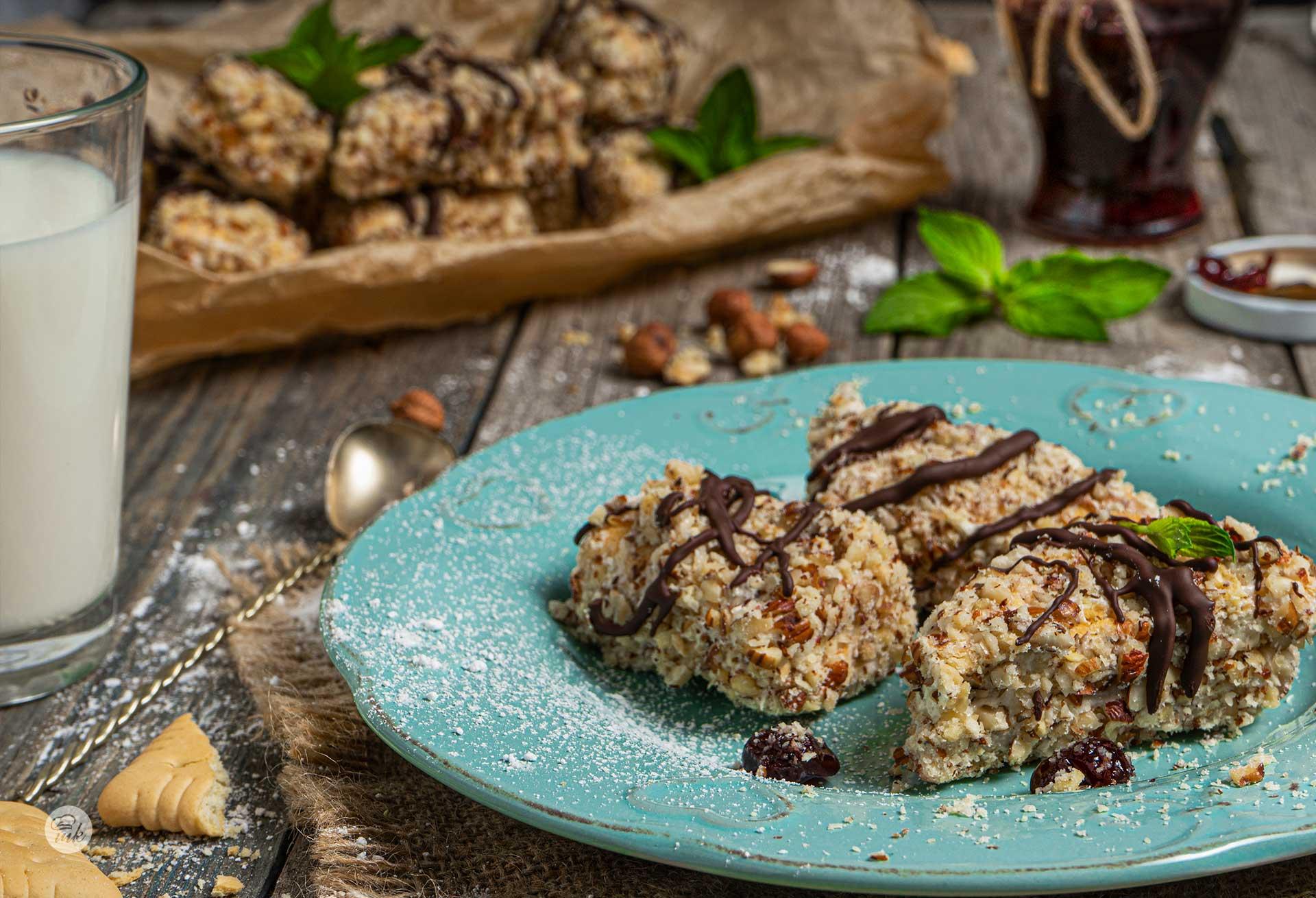 сладки от обикновени бисквити