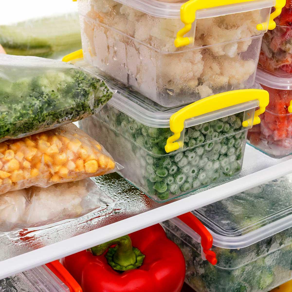Опакована храна във фризер
