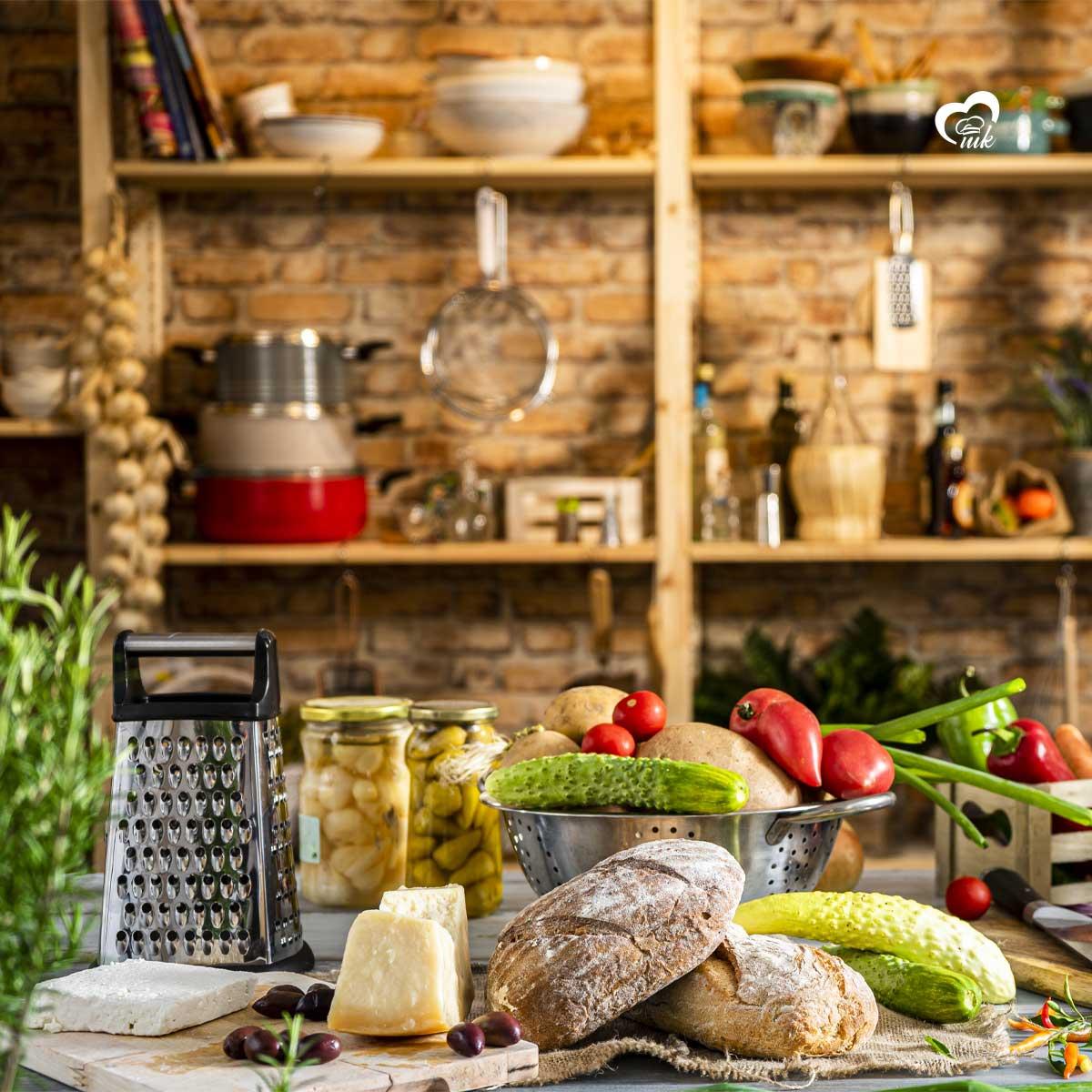 Кухненски декор, хранителни продукти и инструменти за готвене