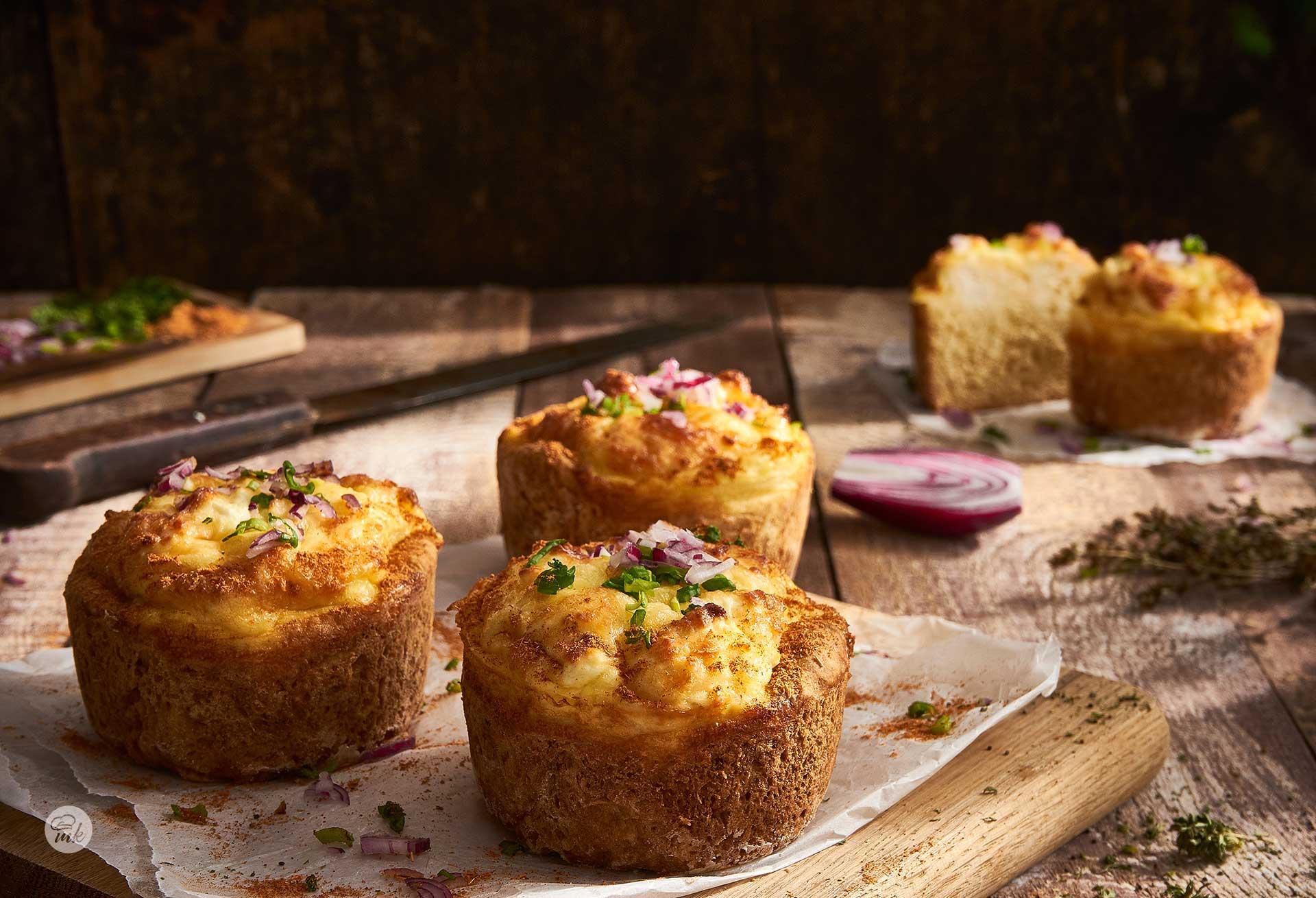Мини кексчета с яйца и сирене