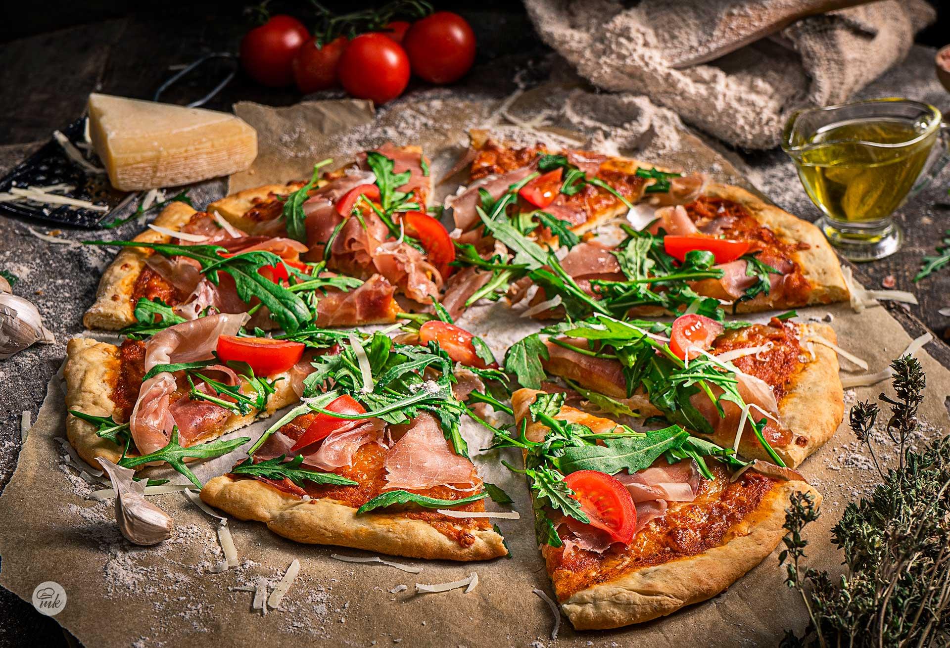 Пица с прошуто и рукола
