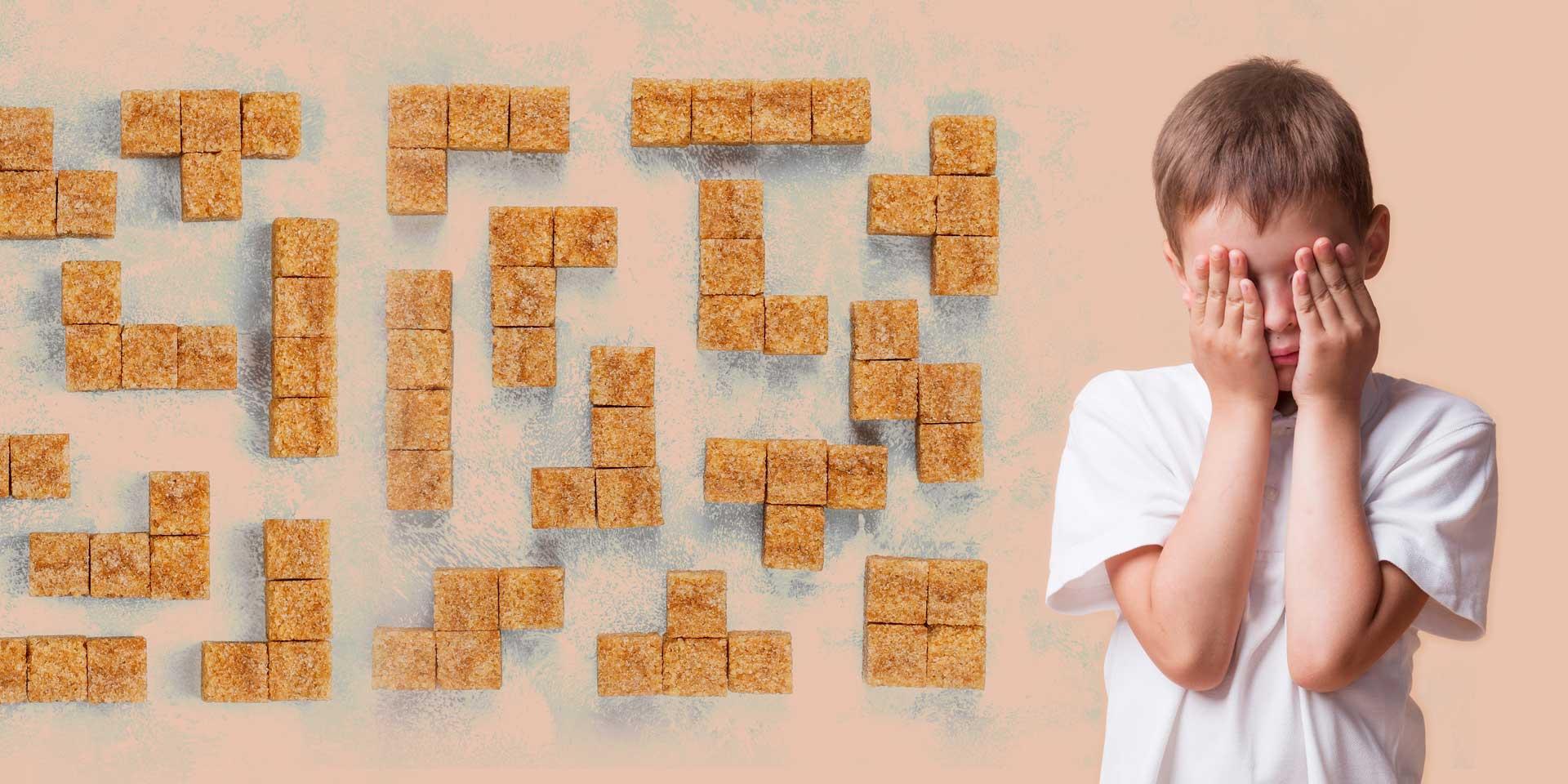 Дете до лабиринт от захарни бучки