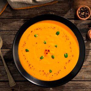 Крем супа от моркови, снимана отгоре