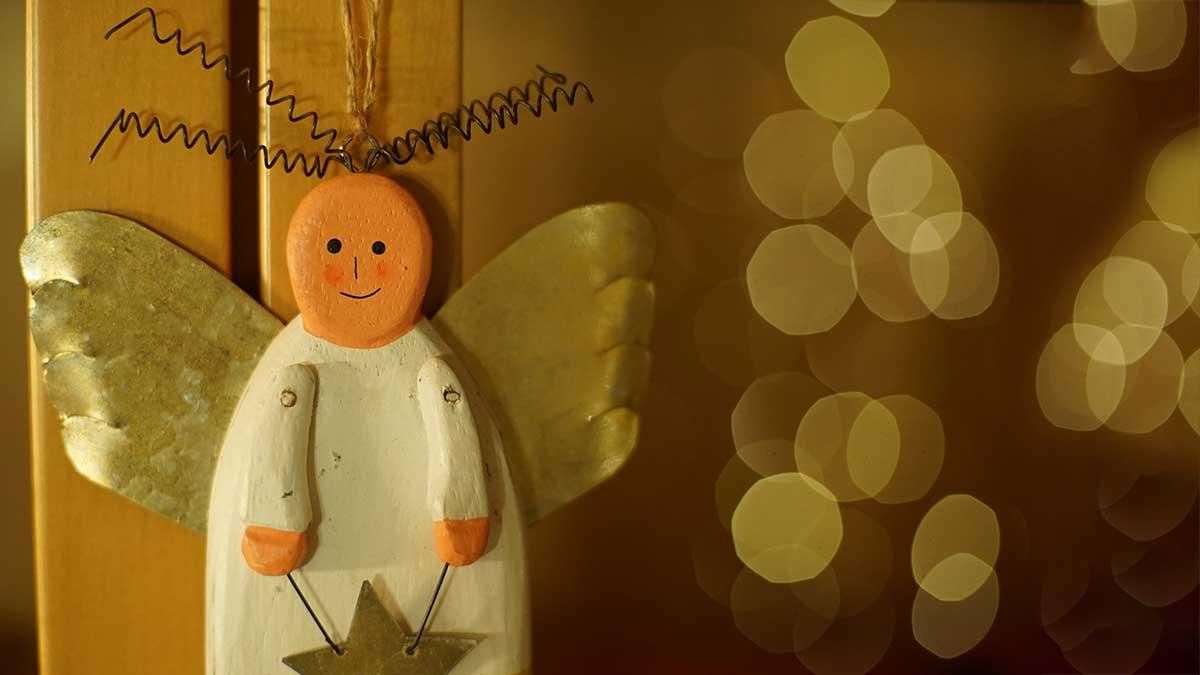 Ръчно изработен коледен ангел