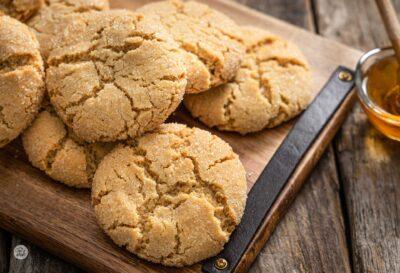 джинджифилови бисквити, снимани отстрани