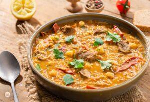 Мароканска супа с нахут, снимана отстрани
