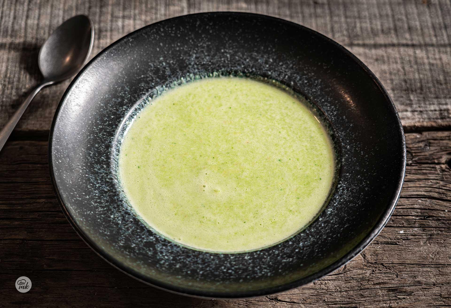 студена-супа-от-авокадо